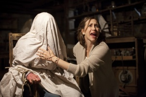 Vera-Farmiga-in-The-Conjuring-2013-Movie-Image-3[1]